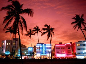 neon_nightlife_south_beach_miami_florida-1600x1200